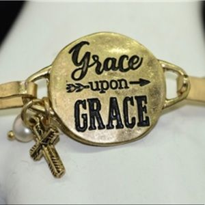 Jewelry - Antique gold hammered bangle bracelet cuff